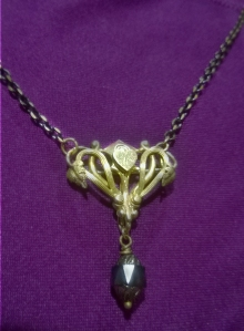 jewelry.h.locket